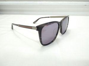 Gucci Men's Wayfarer Sunglasses for Sale in Kingsburg, CA