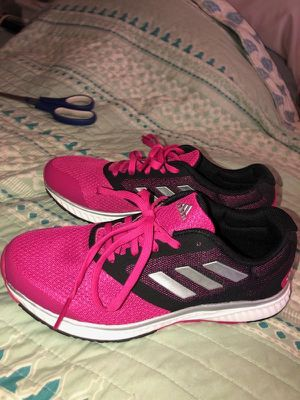 Adidas bounce womens shoes size 7 for Sale in TEMPLE TERR, FL