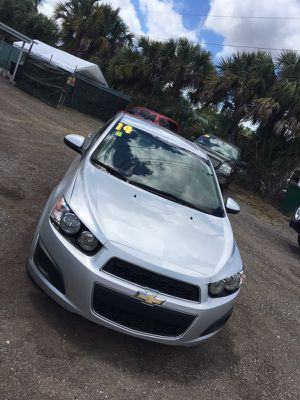 2014 Chevy sonic for Sale in Orlando, FL