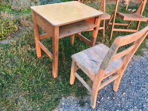 School desk and chair for Sale in Watsontown, PA