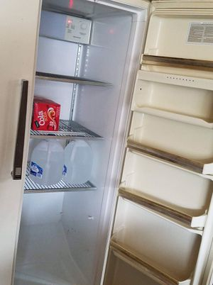 Free clean working fridge for the man cave for Sale in Renton, WA