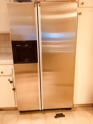 KitchenAid refrigerator one year old for Sale in Los Angeles, CA
