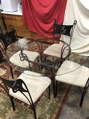 Dining Table and chairs for Sale in Oakland Park, FL
