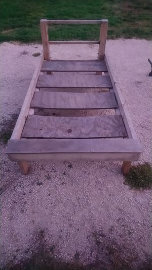 Twin wood bed frame for Sale in Abilene, TX