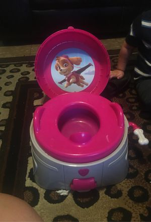 Potty train Toilet makes noise Do you like three times like new for Sale in Fresno, CA