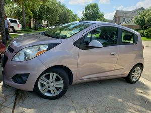 Rose Gold Spark Chevy 2013 73,000 millas for Sale in Houston, TX