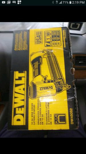 "DEWALT DW450S2 WIDE CROWN LATHING STAPLER 1"" NEW NUEVO 16GA💪👍💪👌💪👌💪 for Sale in Torrance, CA"