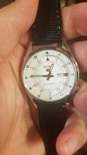 VINTAGE LOOKING SEIKO AUTOMATIC WATCH for Sale in Fairfax, VA