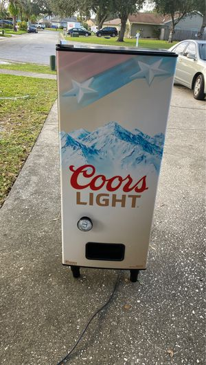 Coors light dispensing refrigerator for Sale in Port Richey, FL