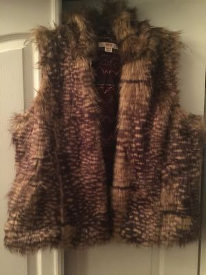 New Mossimo Fur Vest never wore for Sale in Hyattsville, MD