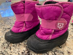Toddler snow boots size 7 for Sale in Foxborough, MA