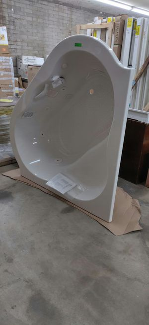 Corner EverClean Whirlpool Tub with Center Drain in White for Sale in Phoenix, AZ