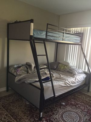 Bunk bed like new W/ mattress for Sale in Huntington Beach, CA