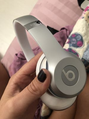 Beats solo for Sale in HALNDLE BCH, FL