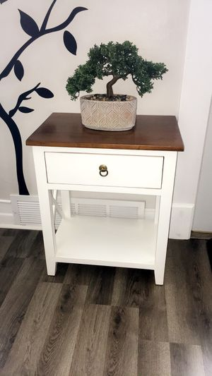 Modern beautiful stead single Drawer End Table $50 firm for Sale in Hammond, IN