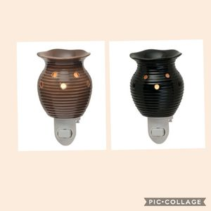 Scentsy Groovy Black & Brown Plug-In Warmers for Sale in Rowland Heights, CA