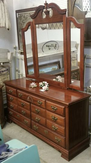 Cherry Finish Dresser for Sale in Conyers, GA