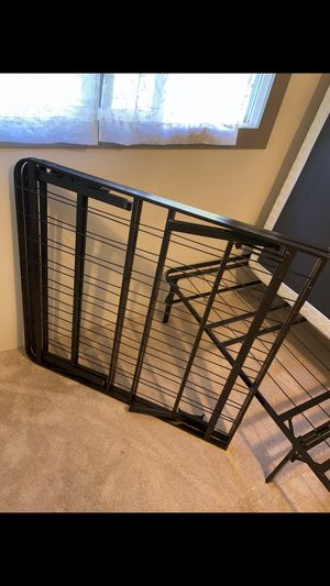 Bed frame for Sale in Sedro-Woolley, WA