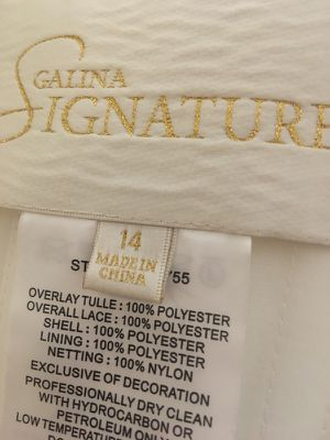Wedding gown 6 mths old for Sale in Gambrills, MD