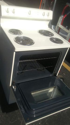Frigidaire stove great condition asking $125 obo will deliver extra $25 no problems works great thank you for Sale in West Palm Beach, FL