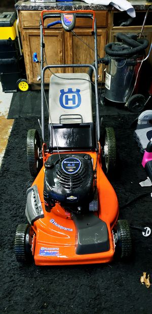 husqvarna lawn mower for Sale in Parma Heights, OH