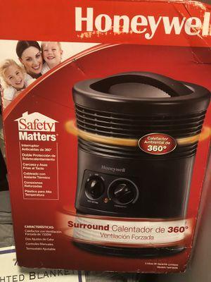 Honeywell 360 Surround Indoor Heater Black 1500W HHF360B for Sale in Wheeling, IL