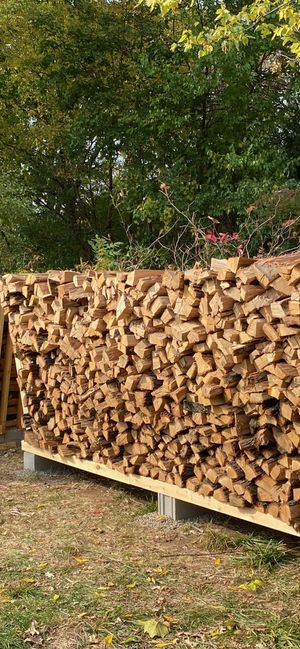 Firewood - Oak Face Cord for Sale in Willow Springs, IL