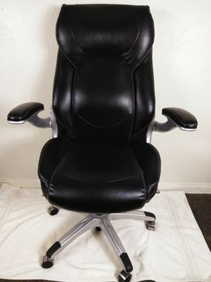 La-Z-boy Executive Highback Leather Office Chair for Sale in Las Vegas, NV