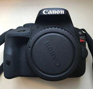 Perfect Canons smallest SL1 dslr bundle for Sale in Minocqua, WI
