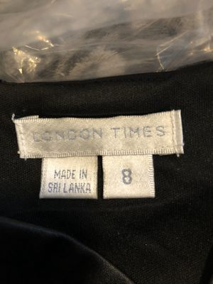 Black dress - size 8 for Sale in BONNEY LAKE, WA