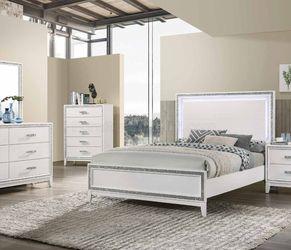 4-pc Queen bedroom set ON SALE🔥 for Sale in Fresno,  CA