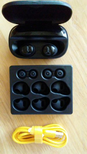 Solo by Anker Wireless Bluetooth Earbuds for Sale in Mantua, OH