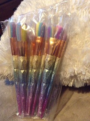 Brand new set of 7 pcs rainbow unicorn makeup brushes brochas para maquillaje deal offer for Sale in Whittier, CA