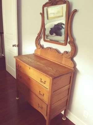 Antique dresser for Sale in West Palm Beach, FL