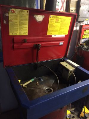 Car parts washer for Sale in Columbus, OH