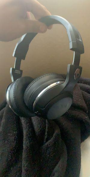 Wireless skullcandy hesh headphones for Sale in Desert Hot Springs, CA