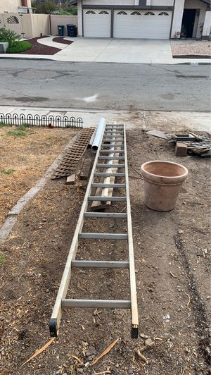 Free aluminum ladder about 16' for Sale in Spring Valley, CA