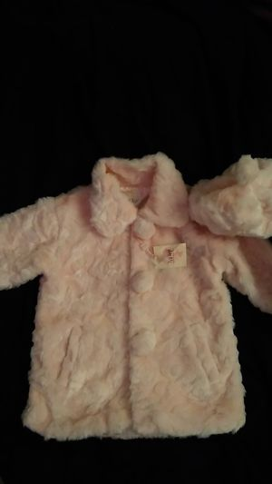 Tip top pink faux fur coat & hat for Sale in Humble, TX