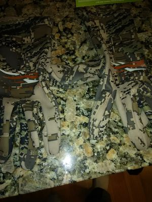 Sitka camo gloves for Sale in Portland, OR