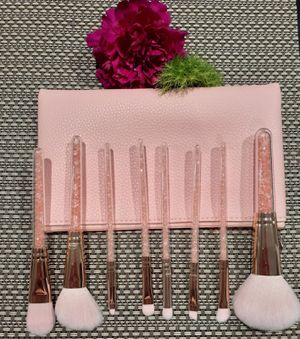 Pink makeup brush set for Sale in Santa Ana, CA
