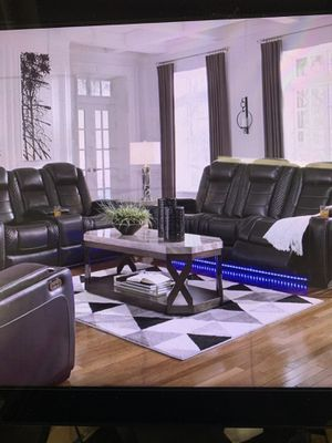 Power Reclining Sofa and Power Reclining Love Seat ( head rest moves separate) ON SALE for Sale in Federal Way, WA
