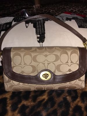 Coach hand bag for Sale in Fresno, CA