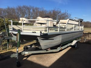 99 21 ft Voyager pontoon boat 90 hp mercury and boat trailer runs good Needs upholstery may trade for travel trailer for Sale in Wylie, TX