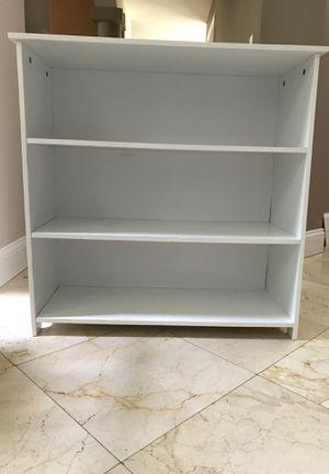 Bookcase for Sale in Miami, FL
