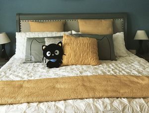 West Elm King Size Bedding - Organic Pintuck and Yellow Channel Stitch for Sale in Los Angeles, CA