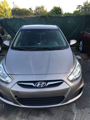 2013 Hyundai Accent $1000 Down runs and drives great ice cold a/c for Sale in Orlando, FL