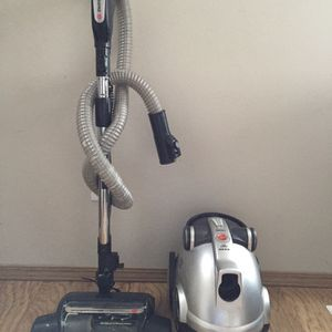 Hoover Canister Vacuum for Sale in Everett, WA