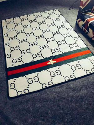 SALE Large stunning area rug 5x7 new PICKUP TODAY or shipping available for Sale in Houston, TX