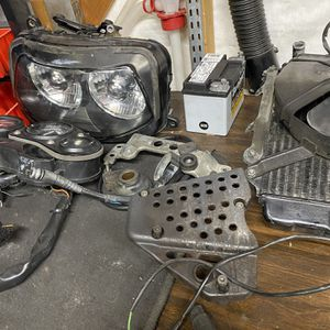 Parting out Suzuki 750W for Sale in Melrose Park, IL