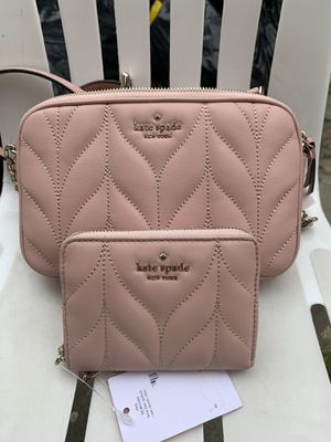 "Kate Spade crossbody and matching wallet NWT Serious inquires only please Approx. 4.5"" H x 7.5"" W 2.5"" D - Approx. 19-22"" strap drop Low offers wi for Sale in Whittier, CA"